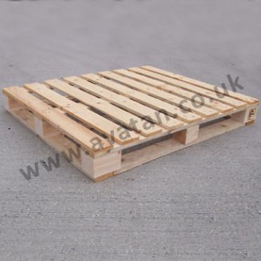 Timber-pallet-full-perimeter-base