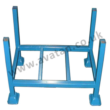 Steel post pallet rigid stillage scaffolding