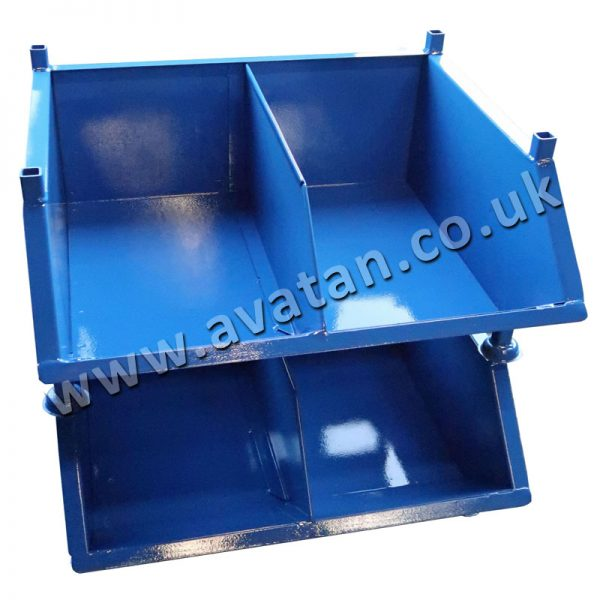 Chute front steel stackable pallet with fixed divider
