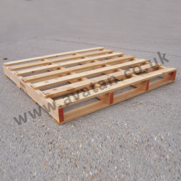 Timber pallet two way entry wood