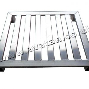Hygienic Four Way Entry Aluminium Pallet Corner Blocks No Skids