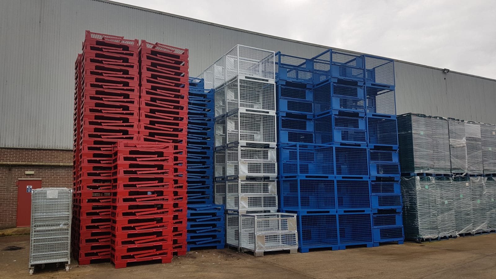 Avatan Storage in Northampton Stillages In Stock